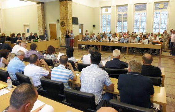 Ισολογισμός δήμου Αγρινίου : Συμφωνία στα νούμερα, διαφωνία στην πολιτική