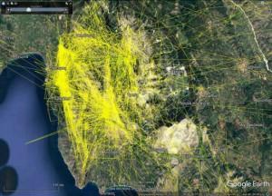 Μετακινήσεις πέντε μαρκαρισμένων Όρνιων (κίτρινα ίχνη) τα δύο τελευταία έτη που φέρουν δορυφορικό πομπό εντοπισμού θέσης. Γίνεται προφανής από την εικόνα η εκτεταμένη χρήση του ορεινού όγκου των Ακαρνανικών