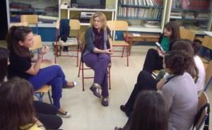 Σε μια από τις πάμπολλες συζητήσεις με μαθητές στα σχολεία