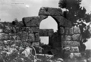 Το κάστρο της Παλιομάνινας 2